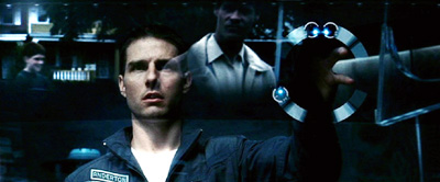 Minority Report Screenshot - Tom Cruise using Advanced Visual Display System